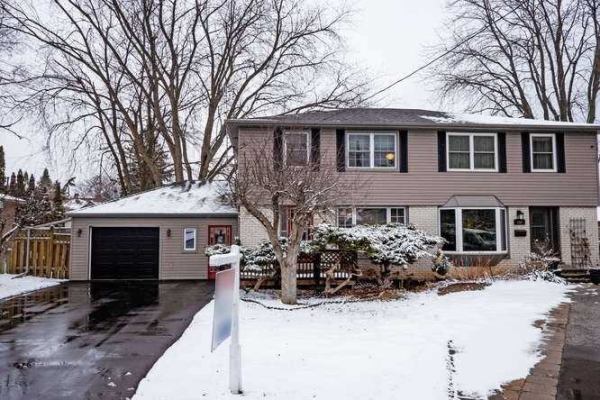 878 Sanok Dr, Pickering