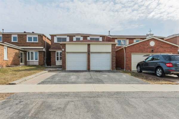 31 Whiteleaf Cres