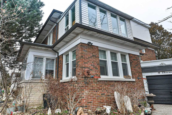 2 Thorncliffe Ave, Toronto