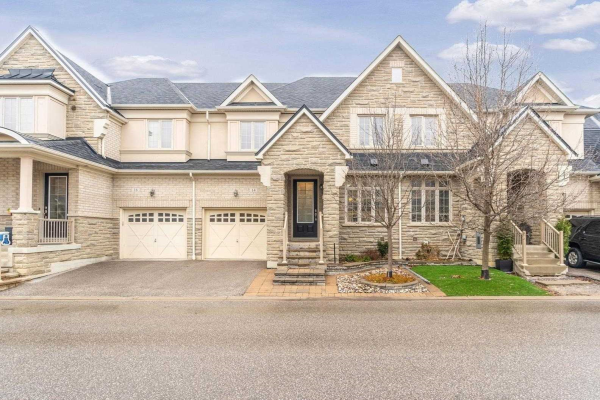 14 Grigglestone Lane, Ajax