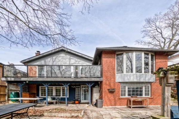 49 Bow Valley Dr, Toronto