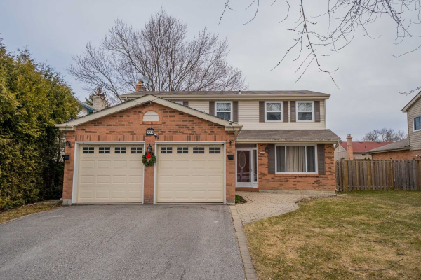 559 Rosebank Rd, Pickering