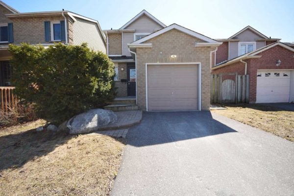 9 Greenfield Cres, Whitby