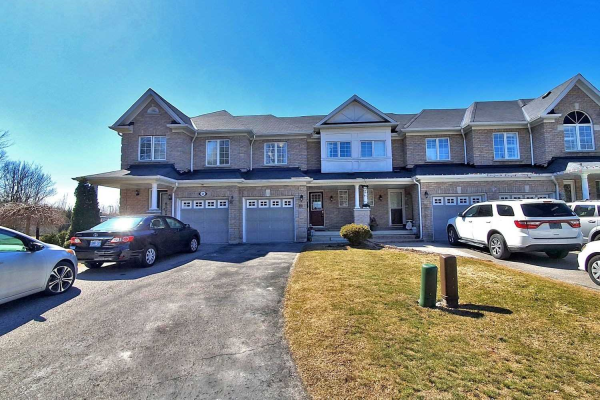 22 Brookstream Crt, Whitby