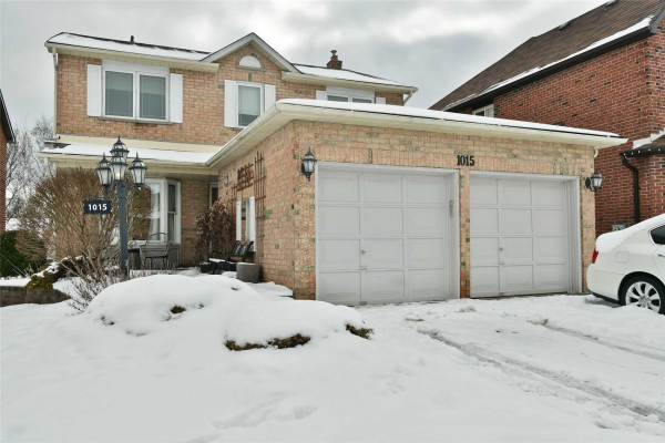 1015 Colonial St, Pickering