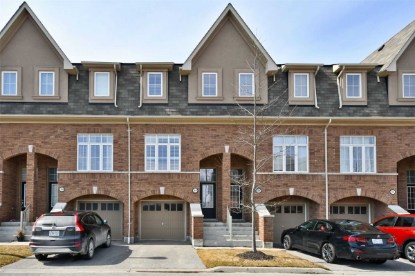 38 Burtonbury Lane, Ajax