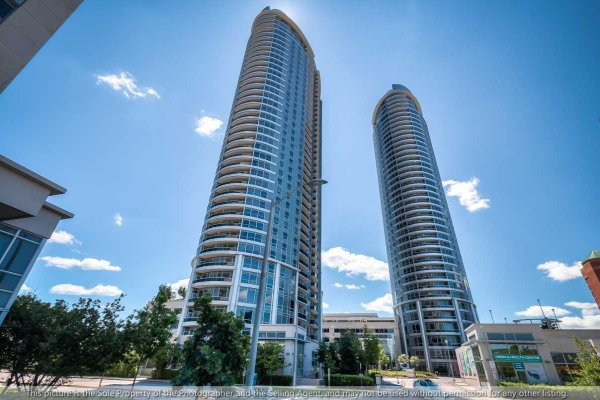 135 Village Green Sq, Toronto