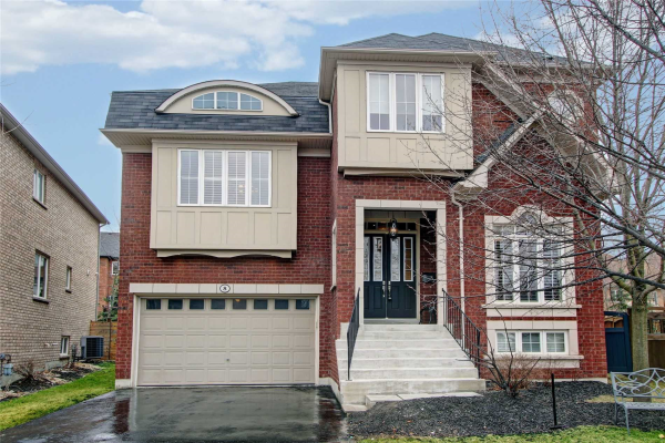 8 Hunwicks Cres, Ajax