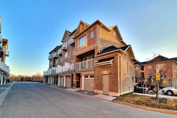 68 Cooperage Lane, Ajax