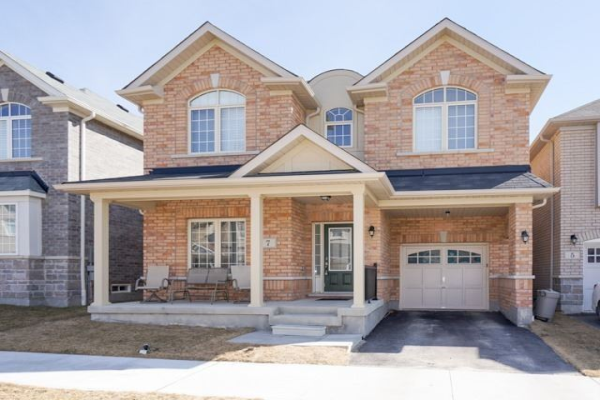 7 Skelton Cres, Ajax