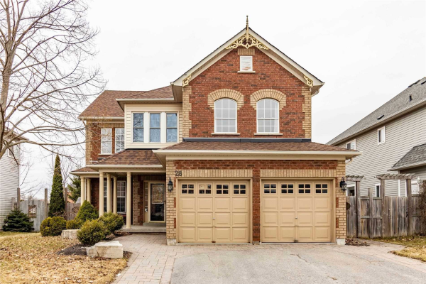 28 Selkirk Dr, Whitby