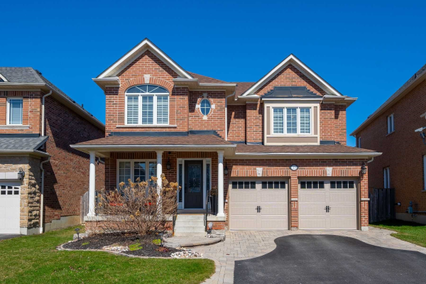 55 Carberry Cres, Ajax