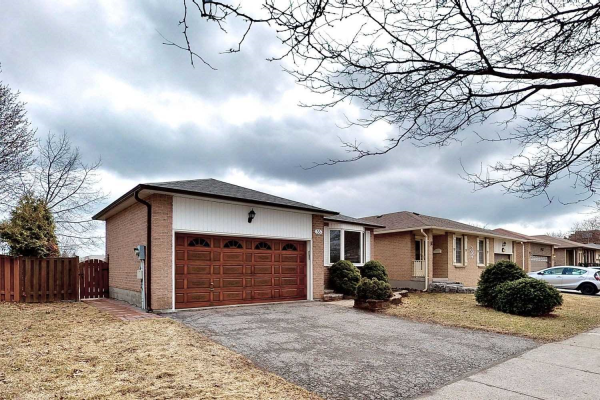 33 Regency Cres, Whitby
