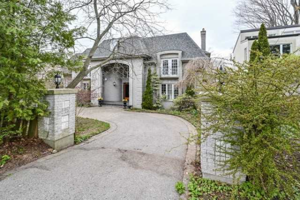 162 Ridgewood Rd, Toronto