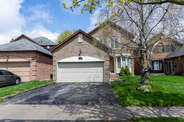 16 Ravenscroft Rd, Ajax