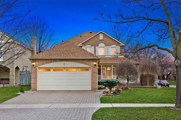 11 Ravenscroft Rd, Ajax