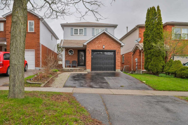 12 Turnberry Cres, Clarington