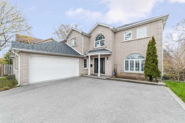 1920 Liverpool Rd, Pickering