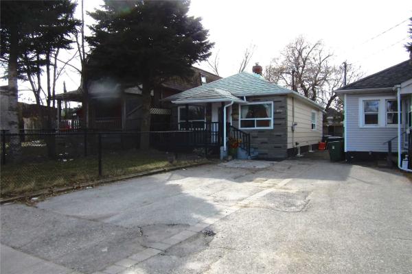 52 Birchmount Rd, Toronto