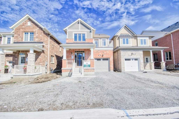 114 Westfield Dr, Whitby
