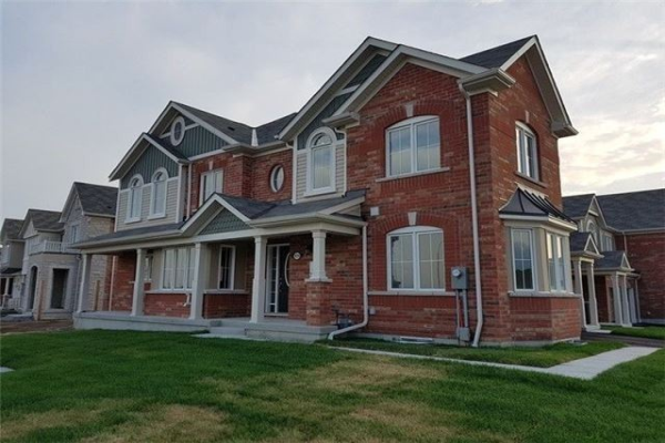 1039 Dragonfly Ave, Pickering