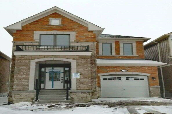 122 Westfield Dr, Whitby