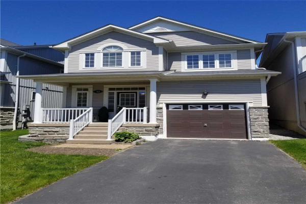 32 Shrewsbury Dr, Whitby