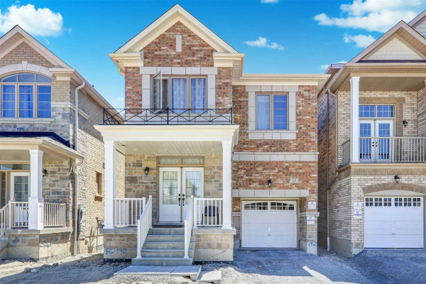 15 Ogston Cres, Whitby