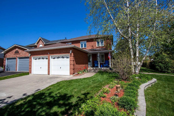 8 Royal Pines Crt, Clarington