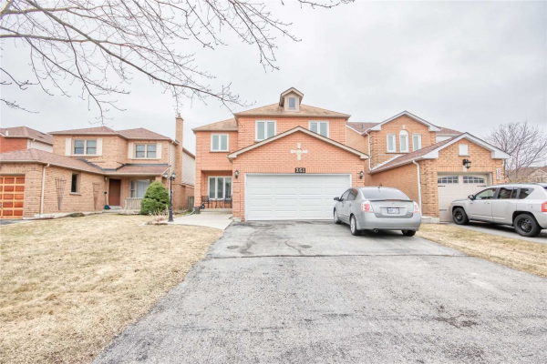 261 Senator St, Pickering