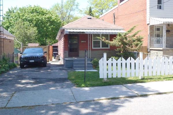 116 Patterson Ave, Toronto
