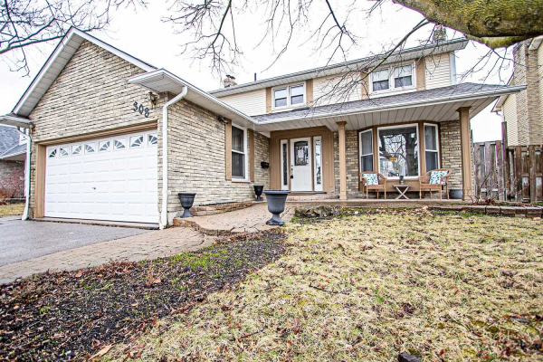 308 Prince Of Wales Dr, Whitby