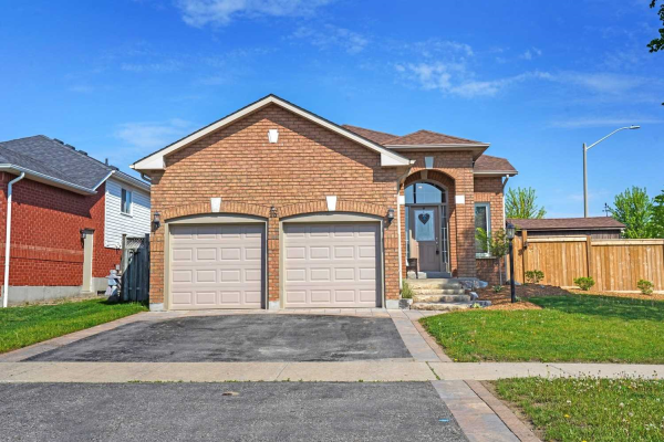 16 Goodwin Ave, Clarington