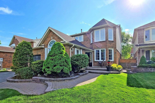 1104 Timber Crt, Pickering