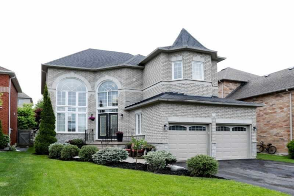 2384 Southcott Rd, Pickering