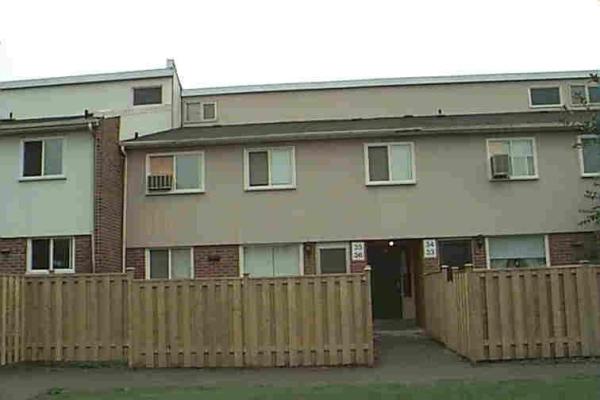 401 Wentworth St W, Oshawa