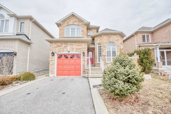 65 Cottage Cres, Whitby