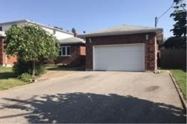 79 Glovers Rd, Oshawa