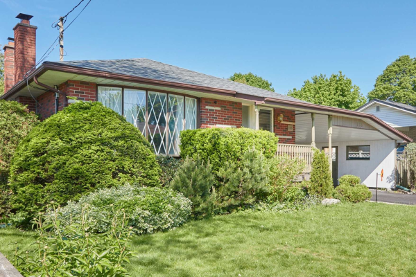 116 Bowman Ave, Whitby