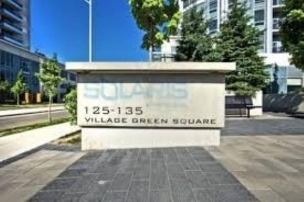 135 Village Green Sq