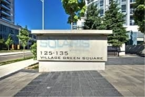 135 Village Green Sq