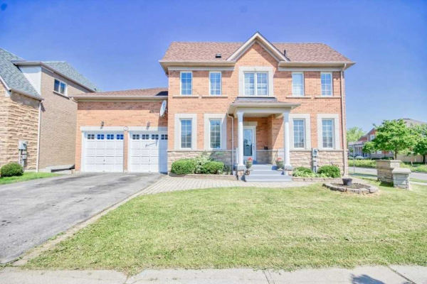 32 Williamson Dr, Ajax
