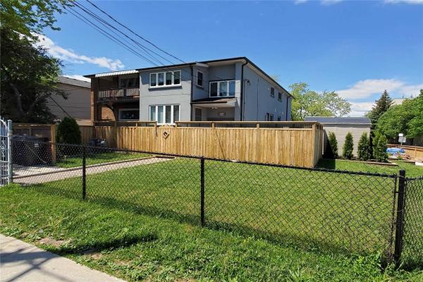 816 Ellesmere Rd, Toronto