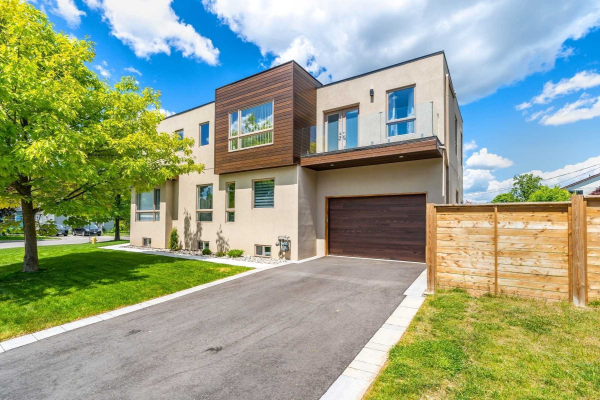 53 Windsor Ave, Ajax