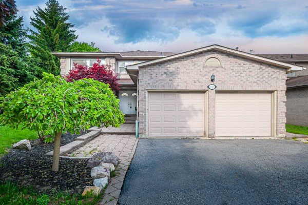 63 Chipperfield Cres, Whitby