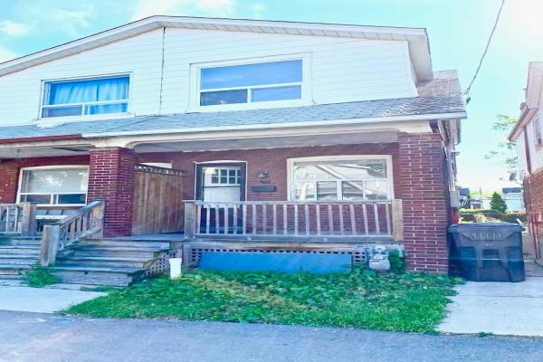 24 Greenwood Ave, Toronto