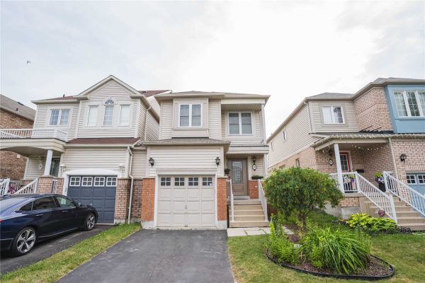 103 Longueuil Pl, Whitby