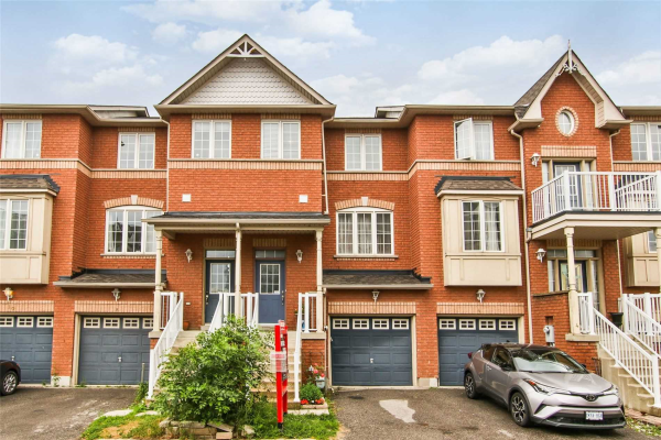 6 Boone Lane, Ajax