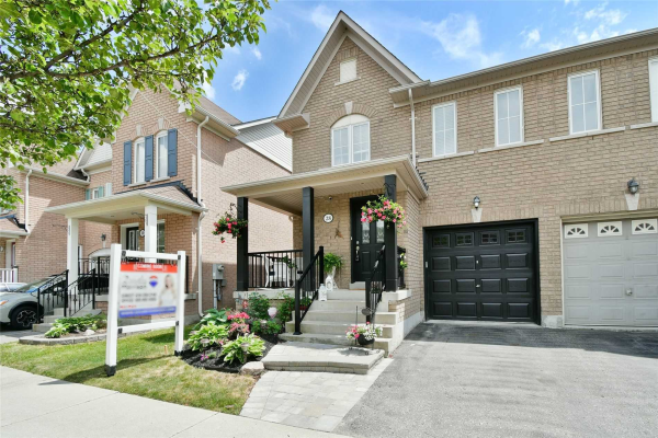 28 Carpendale Cres, Ajax
