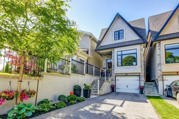 49 Goodwood Park Cres, Toronto
